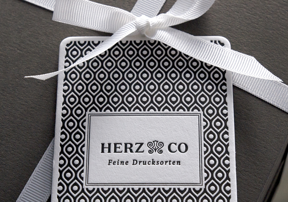 HERZ & CO Tags
